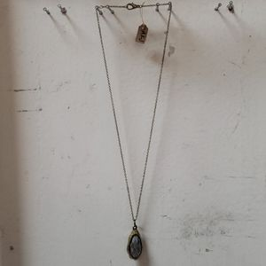 Antiqued Gold & Faceted Glass Pendant Necklace